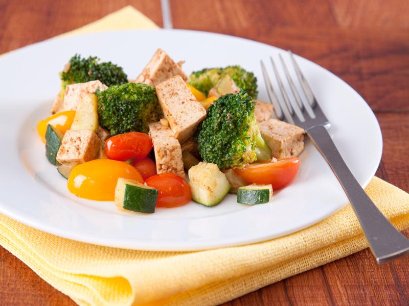 Овощи-с-жареным-тофу-Depositphotos_7612926_l-2015.jpg